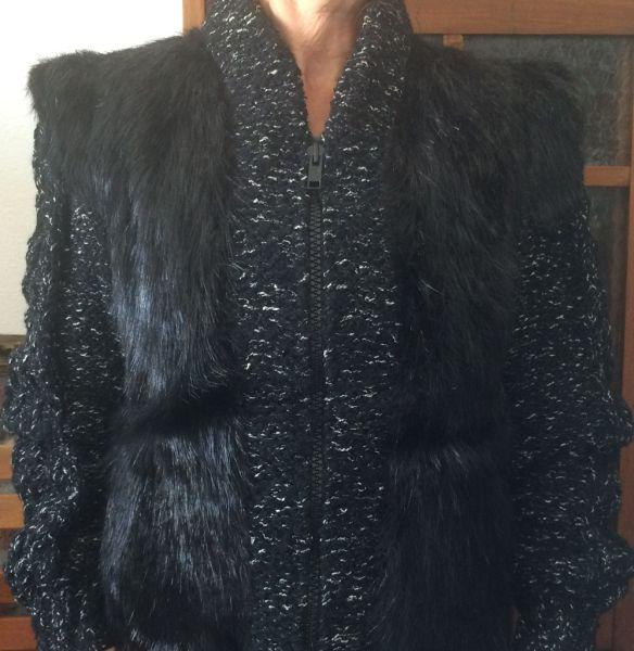 b143f0f322 Uma sofisticada jaqueta femenina em pele de Mink (Vison) na cor preta.