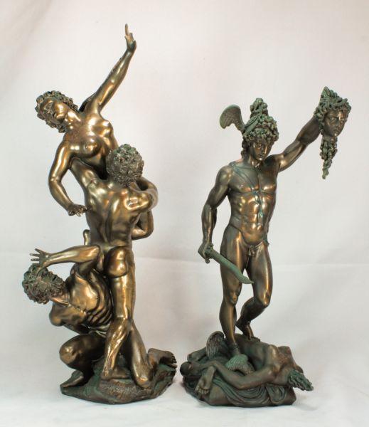 434721fe0 Lote composto por duas esculturas em resina italiana patinada no tom bronze  manufatura Studio Collection by Veronese design, sendo uma escultura de  Perseu ...