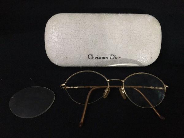 78887579c CHRISTIAN DIOR - óculos de grau original marcado Christian Dior, acompanha  estojo original ( o estojo apresenta marcas do tempo) plâque dor.