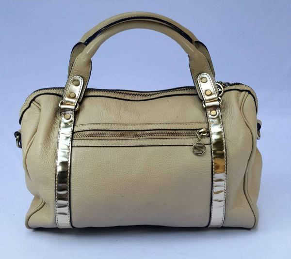 522b581a3 AREZZO-bolsa em couro com acabamento em couro dourado,pouquissimo uso,otima  .
