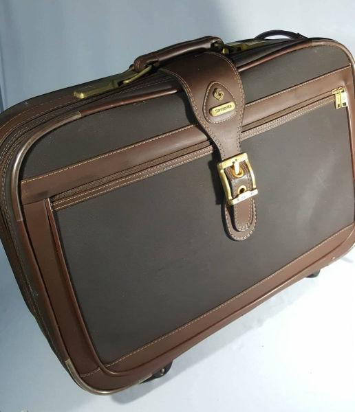 c4a037aa1 SANSONITE-mala em couro pra viagem da renomada marca.60cm